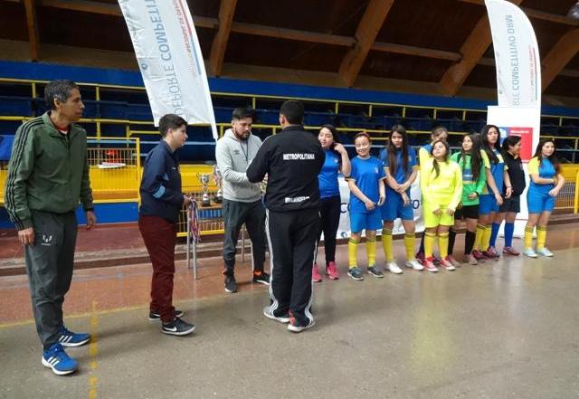 escuela ramon freire 3 lugar provincial futsal damas sub 14